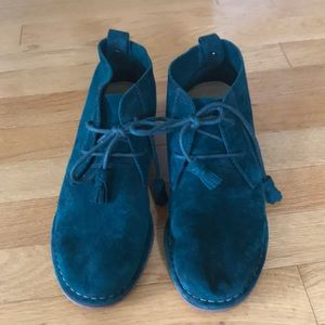 Hush Puppies Cyra Catelyn bootie size 7.5 in green